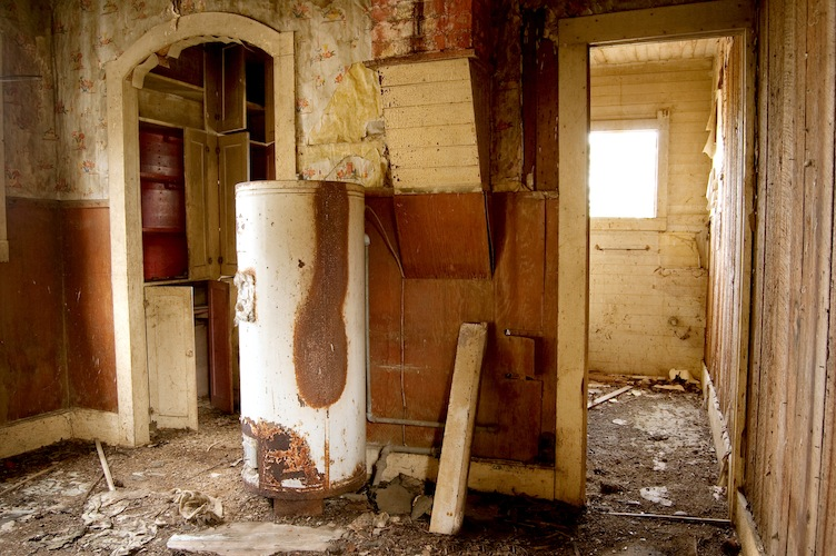 Traditional or Tankless, You'll Eventually Need a New Hot Water Tank